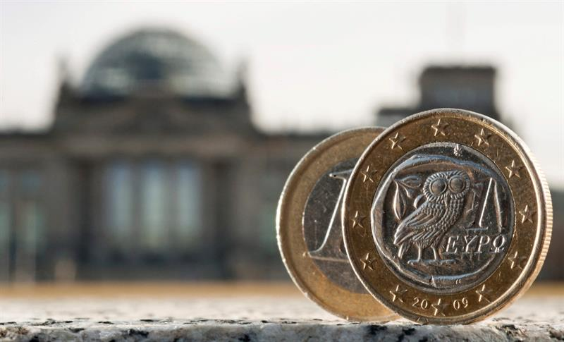 "Germany will grow 2 percent this year and 2.2 percent in 2018, according to the ""five wise"""
